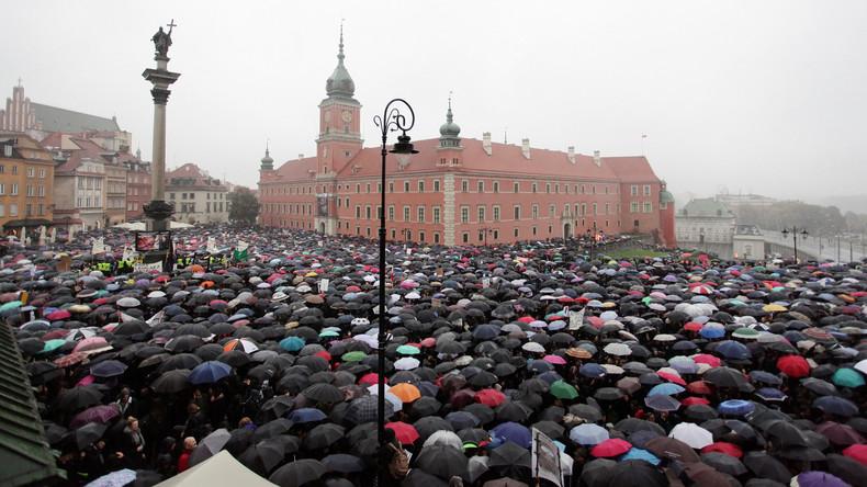 Victoire des Femmes en Pologne, mais le combat pour l'IVG reste entier!
